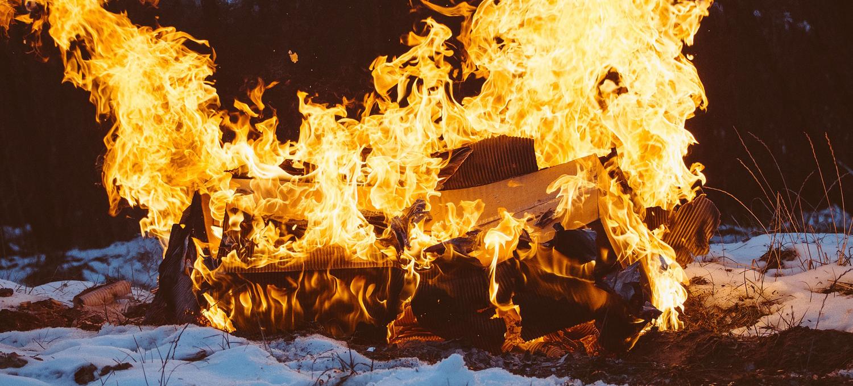 bonfire-925359_1920